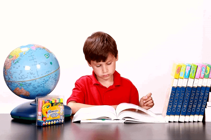 niño-leyendo-libro