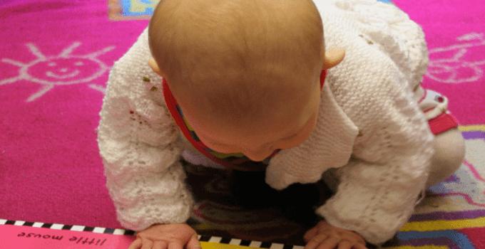 bebe-lee-cuento